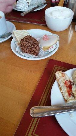 Victoria Hotel: High tea
