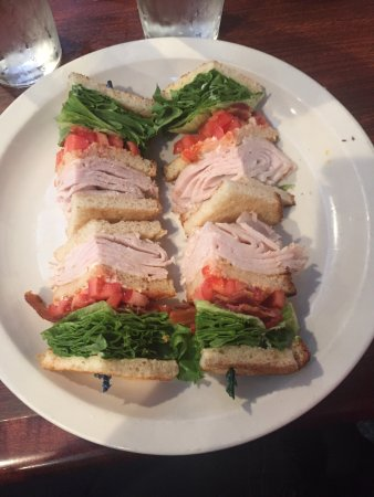 Bordentown, NJ: Sloppy Mastori and Triple Decker Turkey Club. Dry and tasteless.