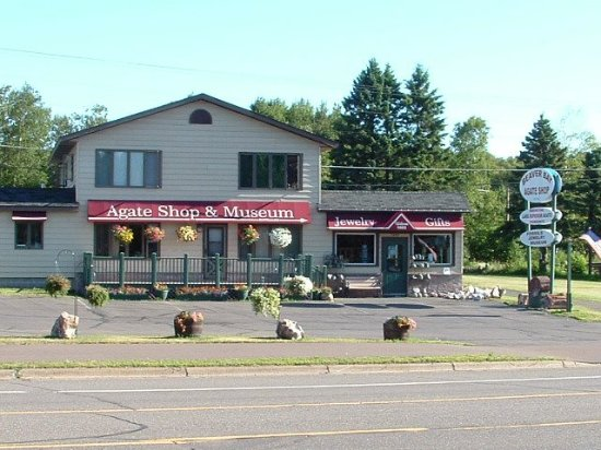 Beaver Bay, MN: Front of shop from Highway 61