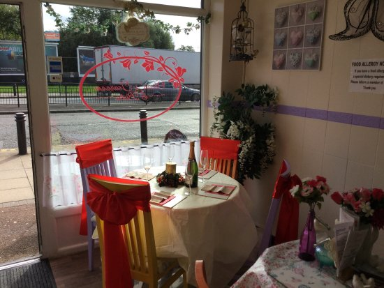 Worsley, UK: Olivia's tearoom and bistro