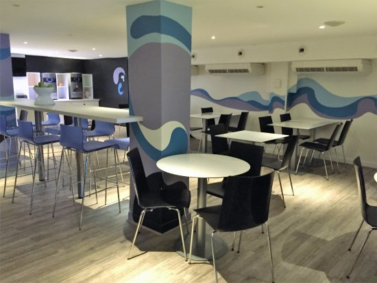 Neydens, Frankrike: salle du petit déjeuné