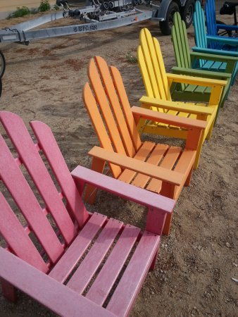 Mattituck, نيويورك: Cute Adirondack chairs