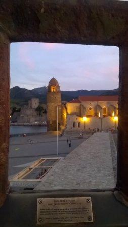 Hotel l'Arapede: L'église de Collioure
