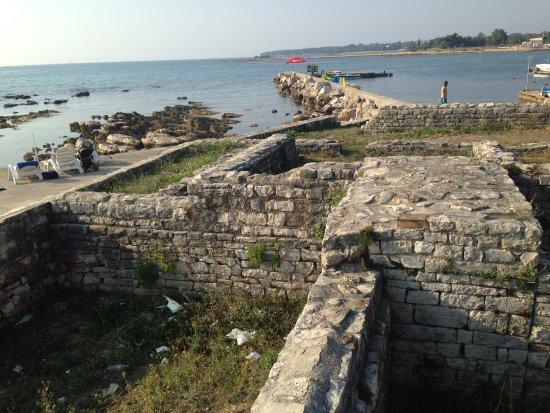 Melia Coral: Rovine romane a fianco degli ombrelloni