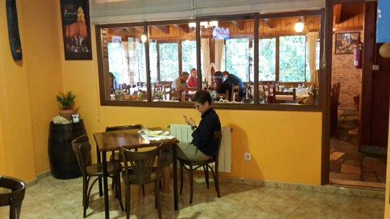 La Portela De Valcarce, Ισπανία: 20160916_195442_large.jpg