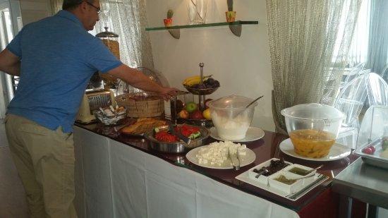 Athens Diamond Homtel: Breakfast options