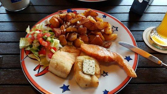 Ostseebad Baabe, Tyskland: Lecker essen in der Aalkate, dreierlei Hering, dreierlei Fischfilet