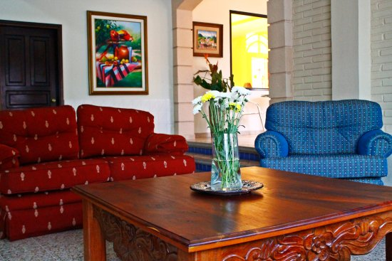 Hotel MacArthur: Lobby