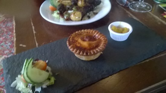Ulverston, UK: Home made pork pie & salad