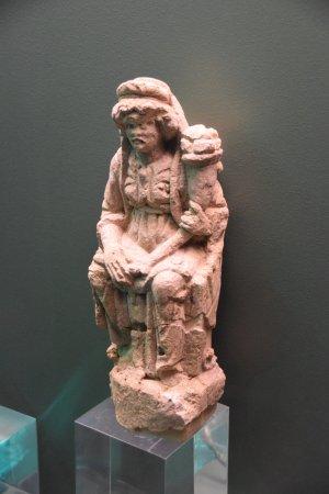 Tienen, بلجيكا: Roma statue