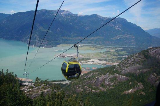 Squamish, Canadá: Passing Gondola