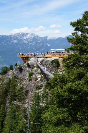 Squamish, Canadá: Observation deck by restaurant