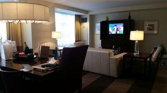 Renaissance Las Vegas Hotel: 20160425_181542_large.jpg