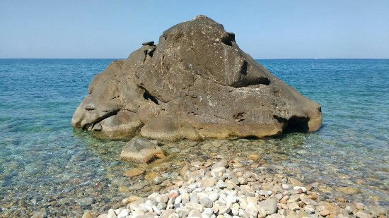 Tusa, Italia: Lo scoglio
