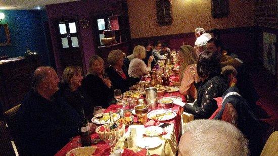 Athlone, Irlanda: group dinner party