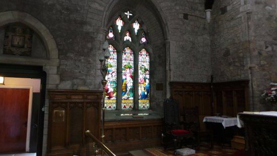 St. Nicholas Church: Another beautiful stained glass window