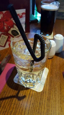 Malpas, UK: Loved the bendy straw and my husband thought it great to eat off a roof tile!! X