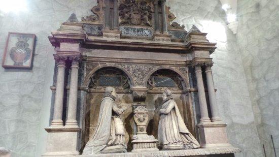 Carrickfergus, UK: Sir Arthur Chichester Memorial