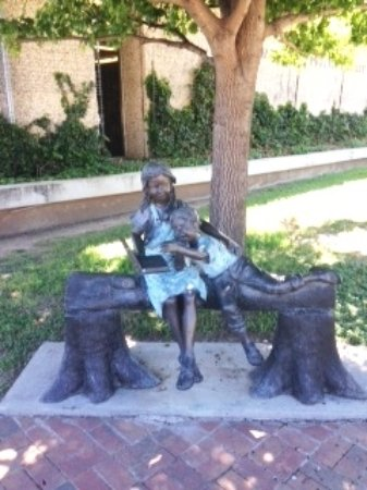 Brownwood Public Library - Children Reading Bronze Statue