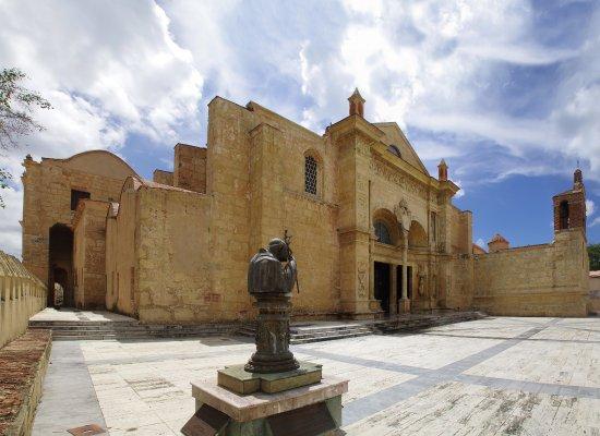 catedral primada de america acceso principal