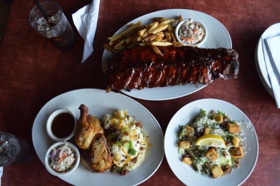 Pembroke, Canadá: Chicken & Ribs