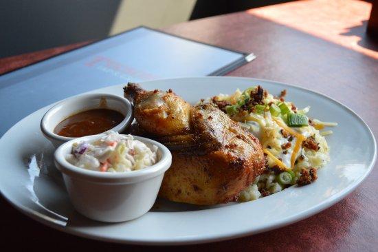 Pembroke, Canadá: Rotisserie Chicken
