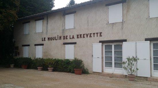 L hôtel au premier abord côté parking - Photo de Hotel Le Moulin de ... 36c5b4019203