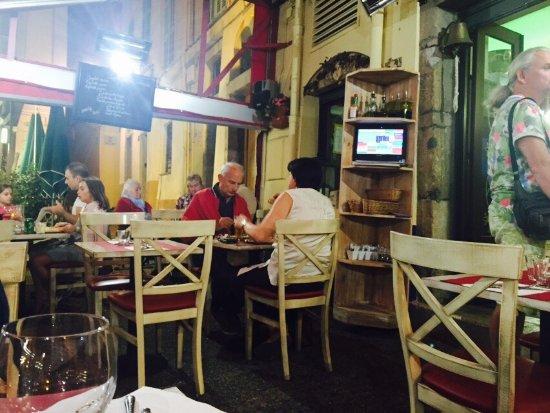 Pizzeria Vesuvio: photo1.jpg