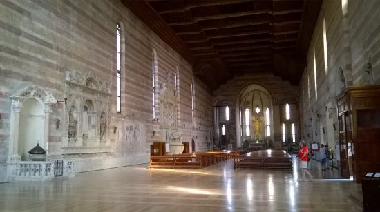 Chiesa degli Eremitani: ampio interno
