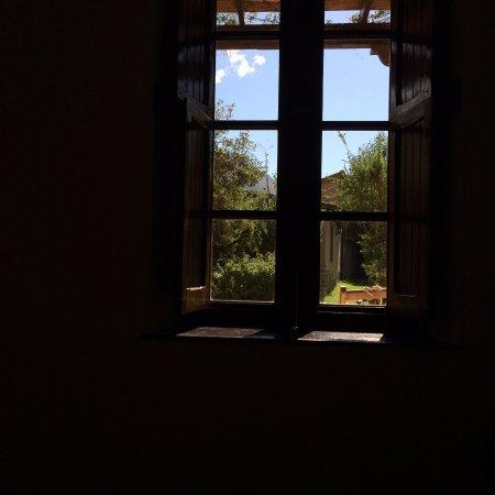 El Albergue Ollantaytambo: View of gardens through our window