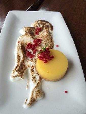 Surrey, Canada: Lemon dessert