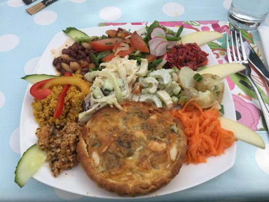 Bexhill-on-Sea, UK: Gland and Swiss medium salad
