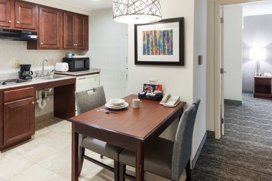 Homewood Suites by Hilton Huntsville-Village of Providence: Accessible Suite Kitchen