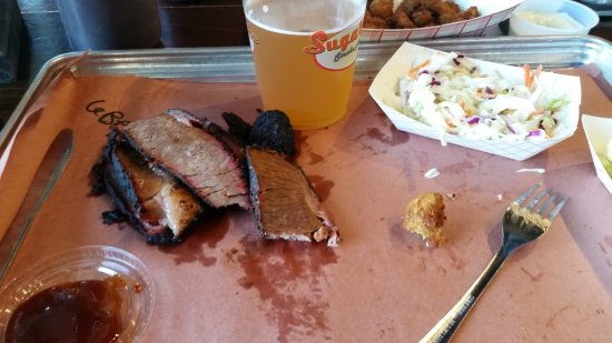 Valley Park, MO: Brisket and cole slaw