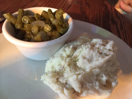 Waverly, TN: Samuel's on the Square