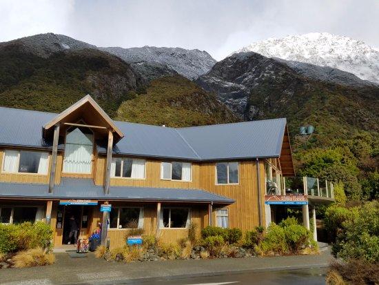 Aoraki Mount Cook Alpine Lodge Picture