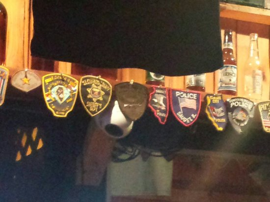 Grafton, Илинойс: Police, Fireman, and other first responders...bring a patch to hang on the wall.St Louis City Po