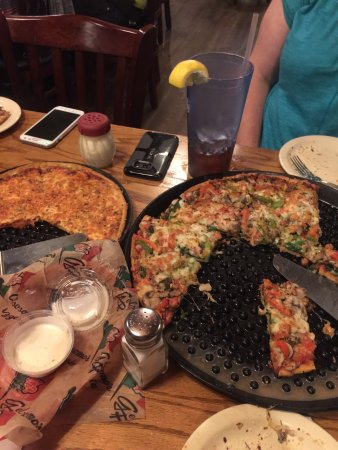 Chesterton, IN: Veggie pizza