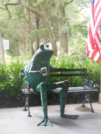 Wadmalaw Island, SC: Waddy, the tea plantaion mascot