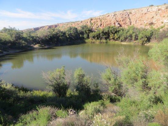 Bottomless Lakes State Park: sinkhole