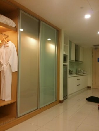 Fraser Place Kuala Lumpur: TA_IMG_20160917_103157_large.jpg