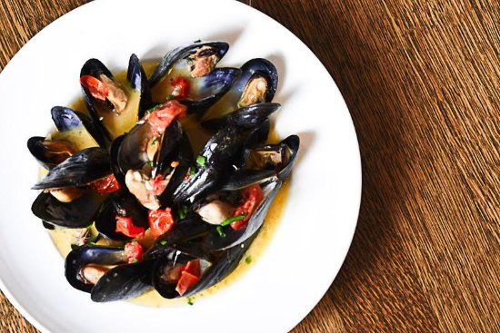 Douglas, MI: Bar Harbor Mussels