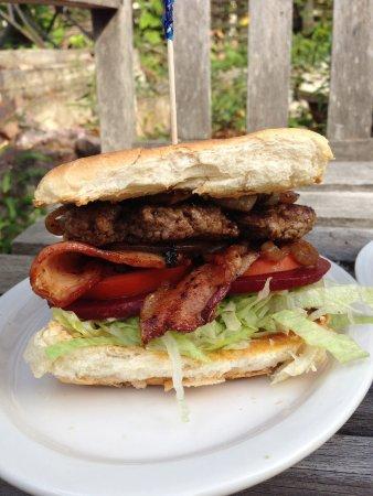 Bulahdelah, Australien: Hamburger with Bacon