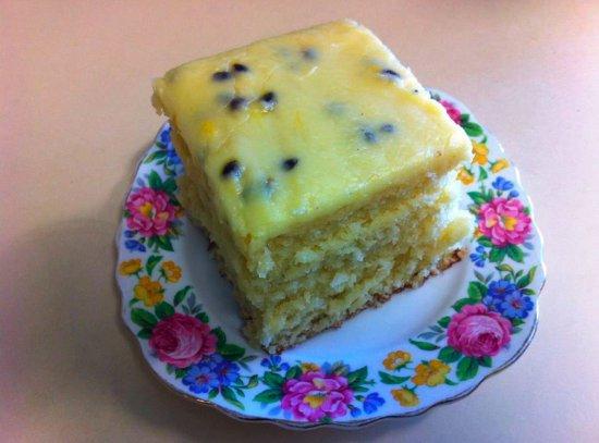Bulahdelah, Australien: Our Famous Passionfruit & Coconut cake