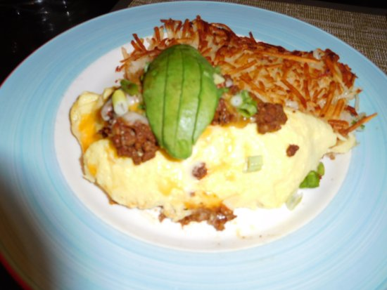 Pho at Treasure Island: Breakfast omelet