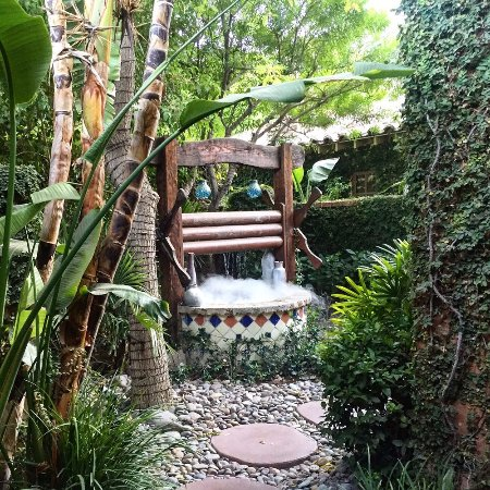 The Andalusian Court: Smoking Wishing Well on Grounds