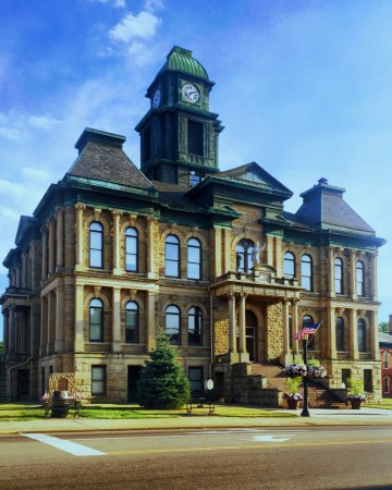 Comfort Inn : This amazing courthouse, plus Millersburg Brewing and several antique shops are only a mile away