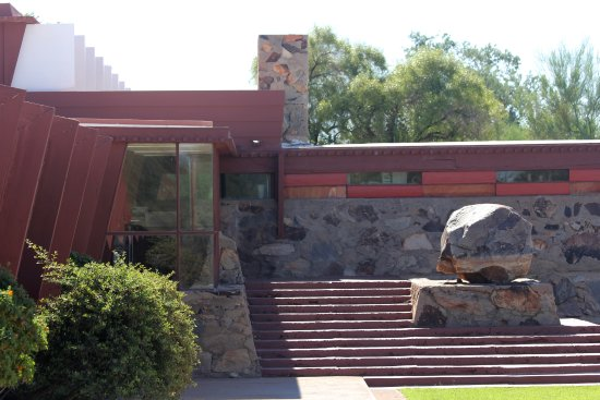 Taliesin West: Wright's use of material from the land to create landscapes that blend into their surroundings