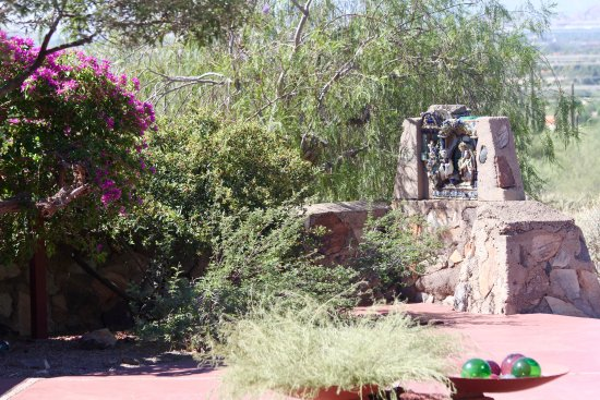 Taliesin West: Wright's incorporation of structure, landscape and art.