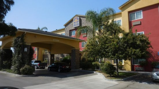 Best Western Plus Wasco Inn & Suites: Hotel Entrance